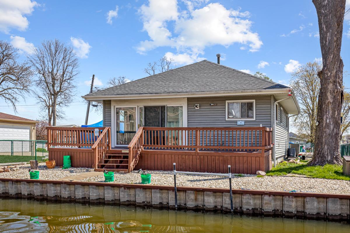 32 Lakeside Lane, Fox Lake, IL 60020 - #: 11057743