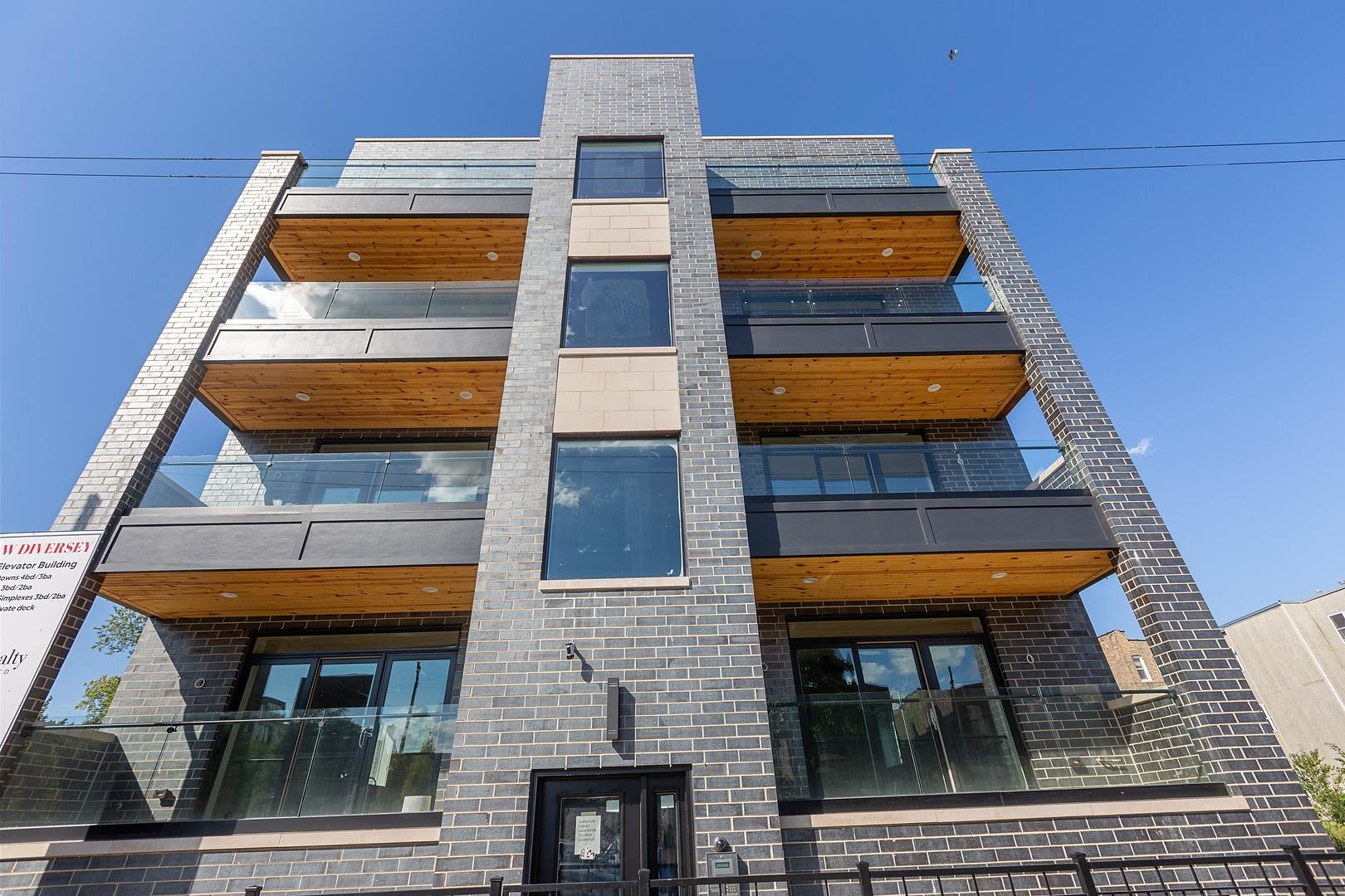 2510 W Diversey Avenue #4W, Chicago, IL 60647 - #: 10812747