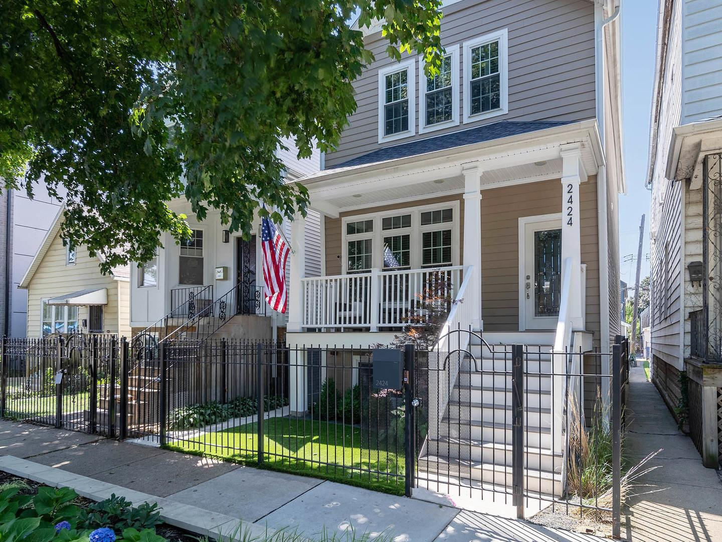 2424 N Campbell Avenue, Chicago, IL 60647 - #: 10821748