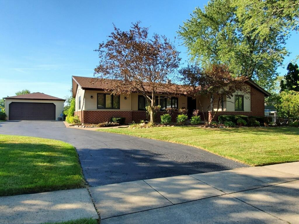 344 Birchwood Avenue, Elk Grove Village, IL 60007 - #: 10827749