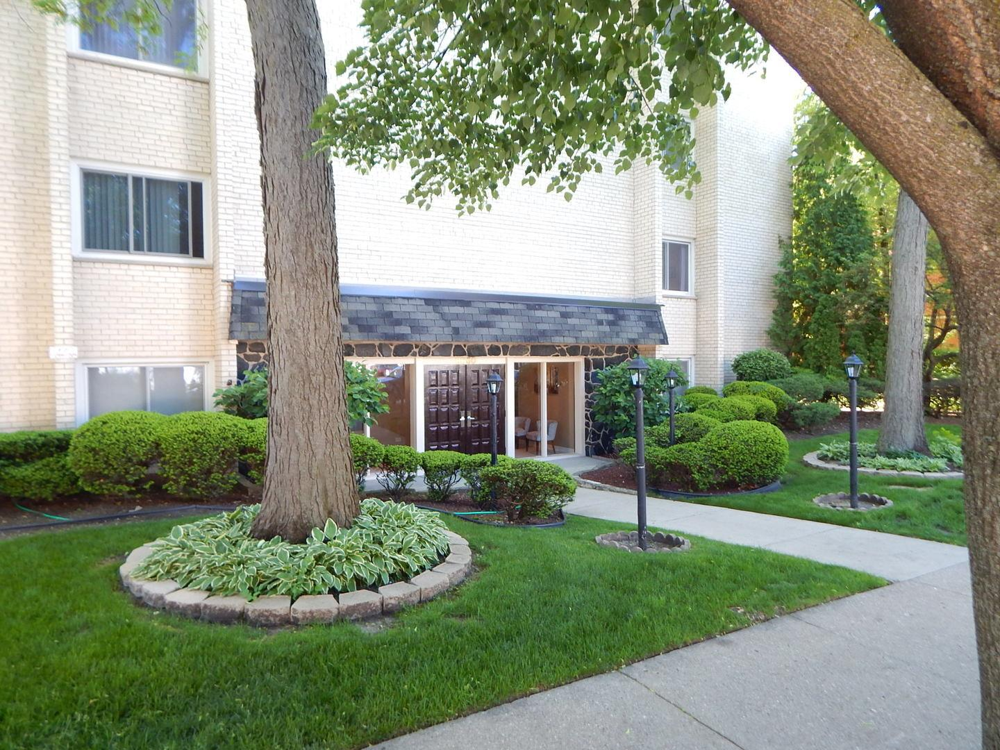 8650 FERRIS Avenue #301, Morton Grove, IL 60053 - #: 10728751