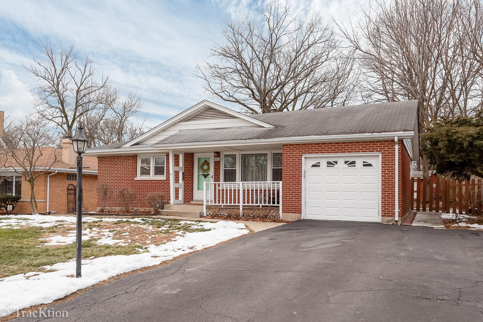 4902 Pershing Avenue, Downers Grove, IL 60515 - #: 10974753
