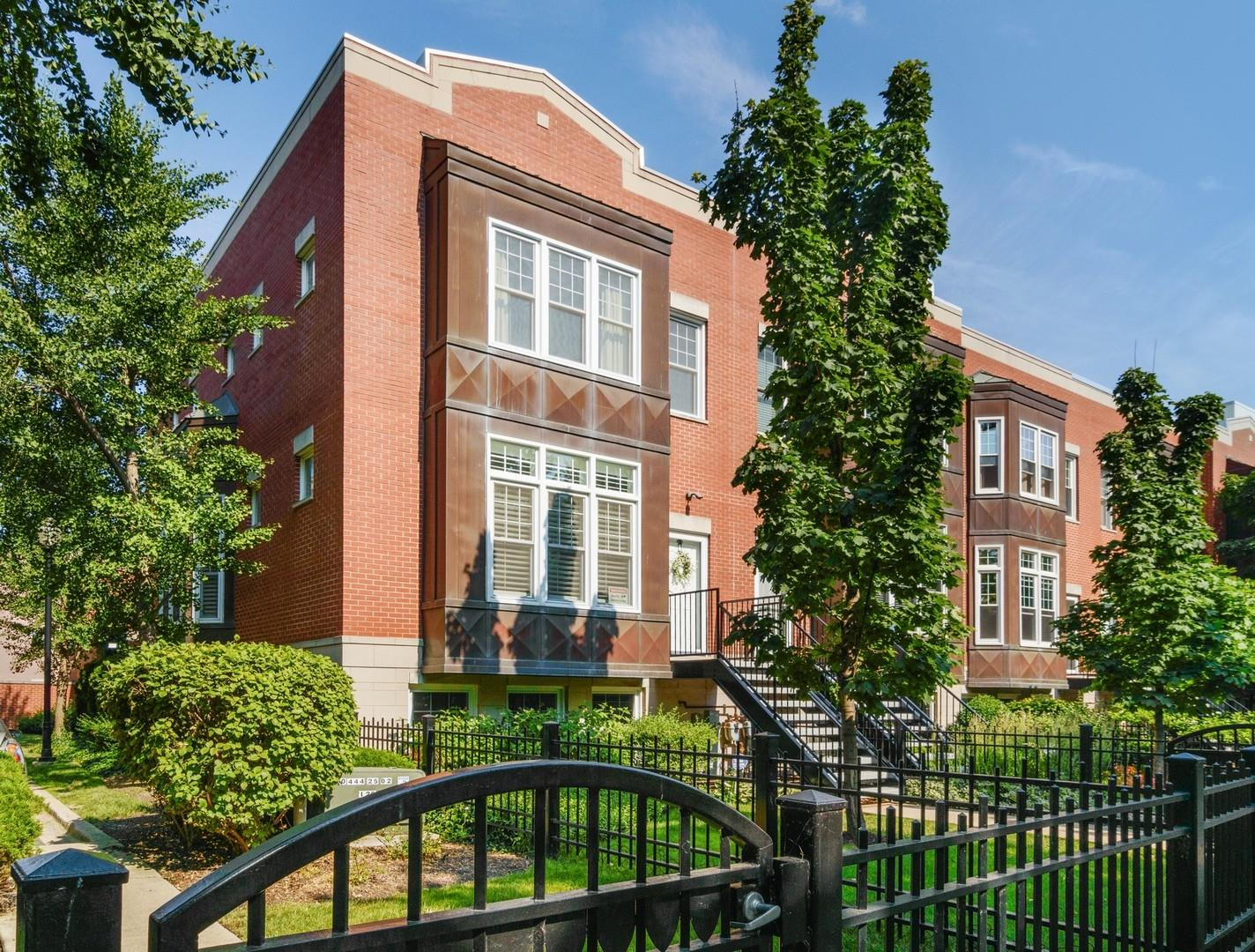 1405 S Campus Parkway, Chicago, IL 60608 - #: 10929763