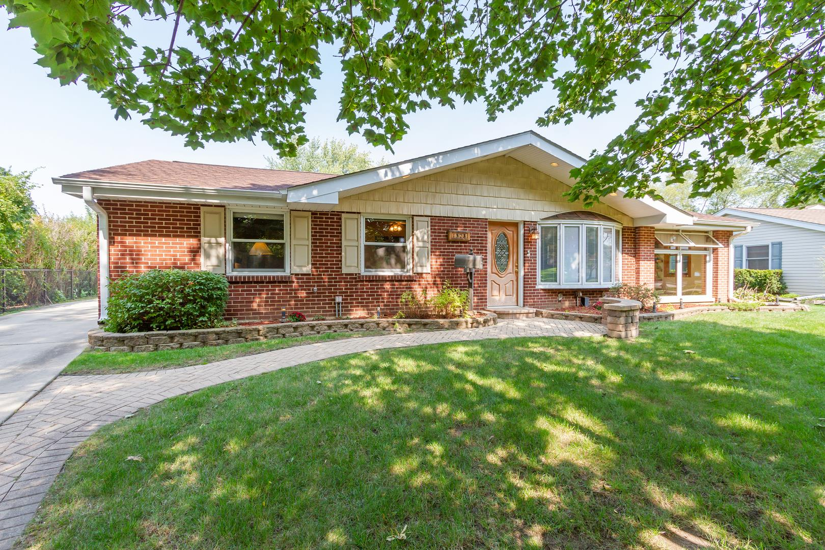 1328 Sharon Lane, Schaumburg, IL 60193 - #: 10878774