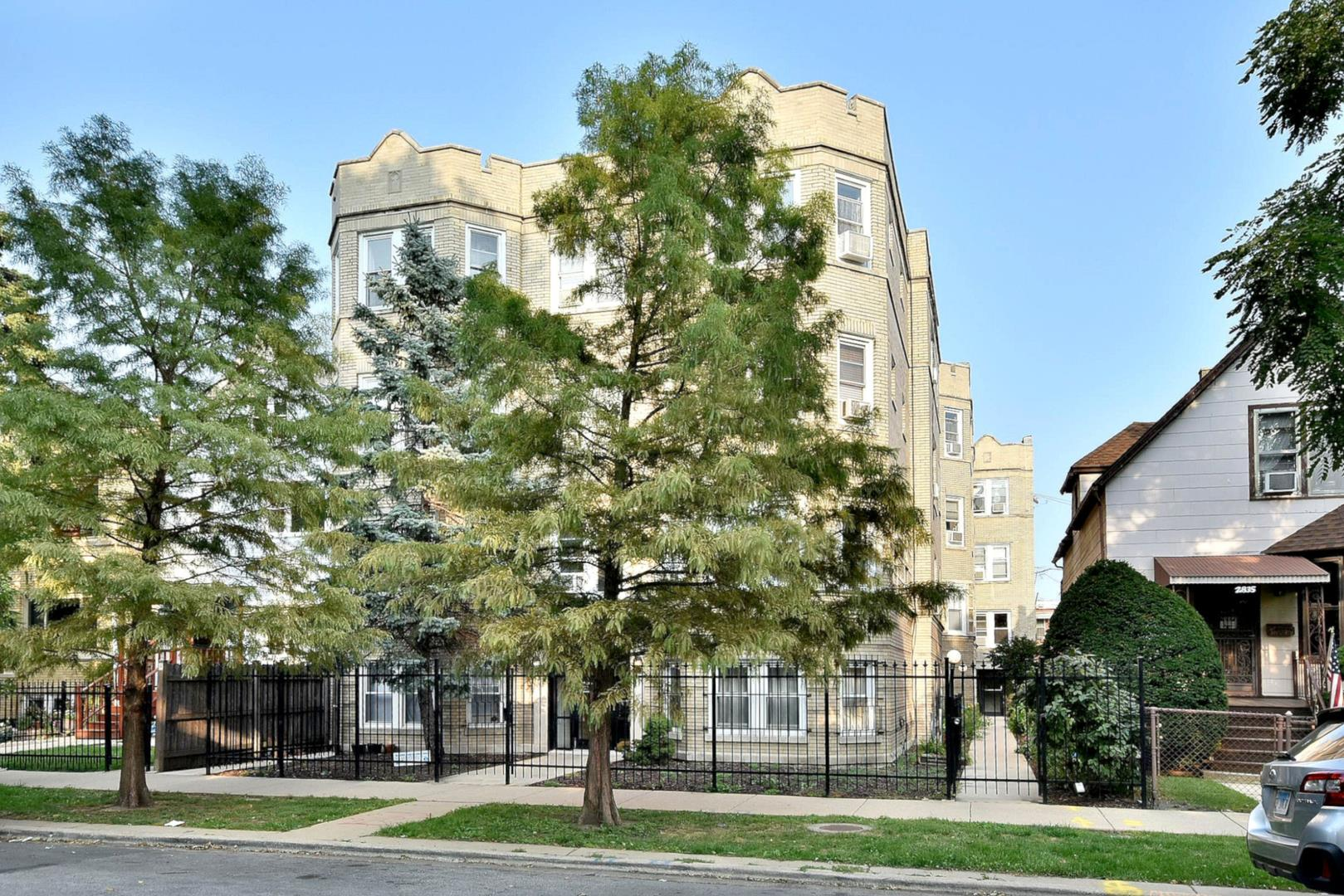2837 N Sawyer Avenue #1, Chicago, IL 60618 - #: 10881774