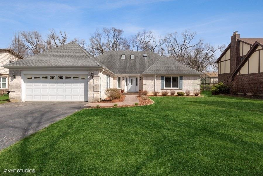 7917 Winter Circle Drive, Downers Grove, IL 60516 - #: 10967775