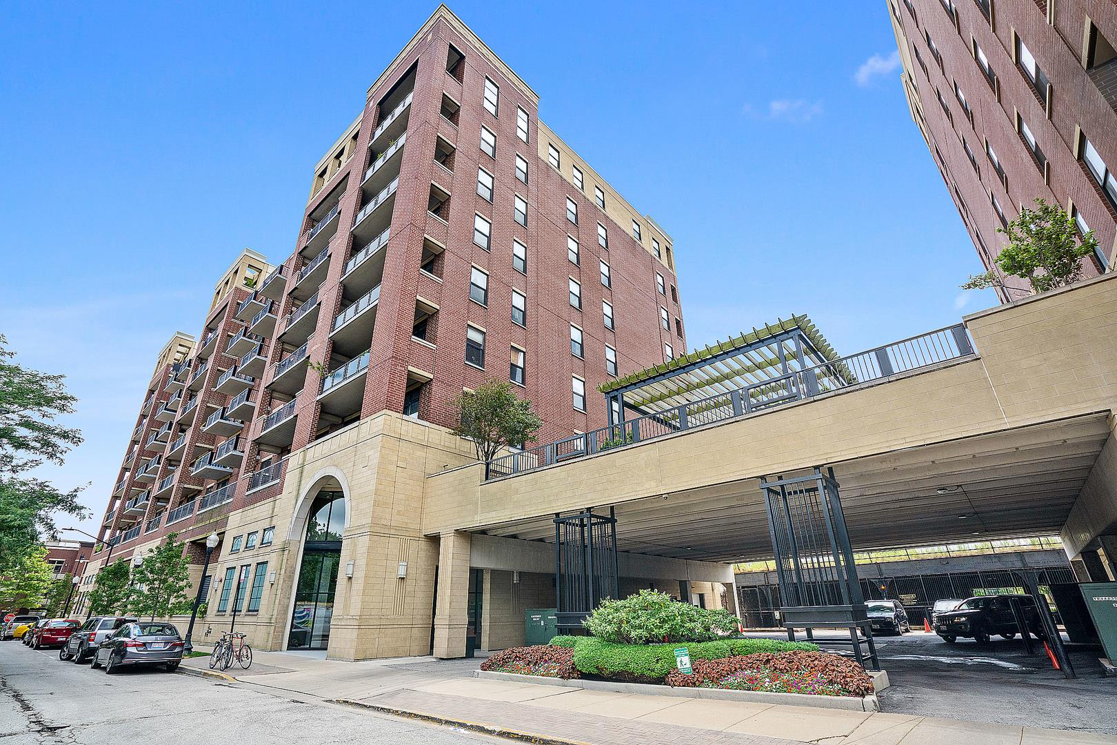 811 W 15th Place #803, Chicago, IL 60608 - #: 10974777