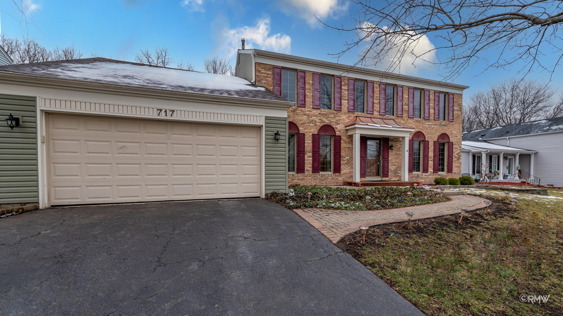 717 Hickory Lane, Carol Stream, IL 60188 - #: 11001778