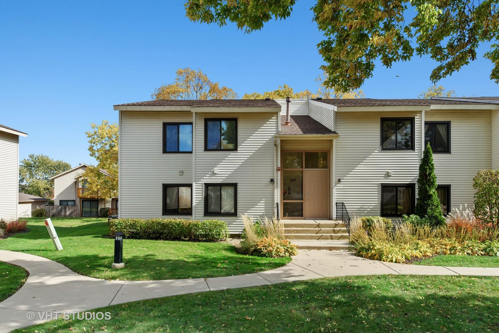 947 Commonwealth Court #3, Vernon Hills, IL 60061 - #: 10903782