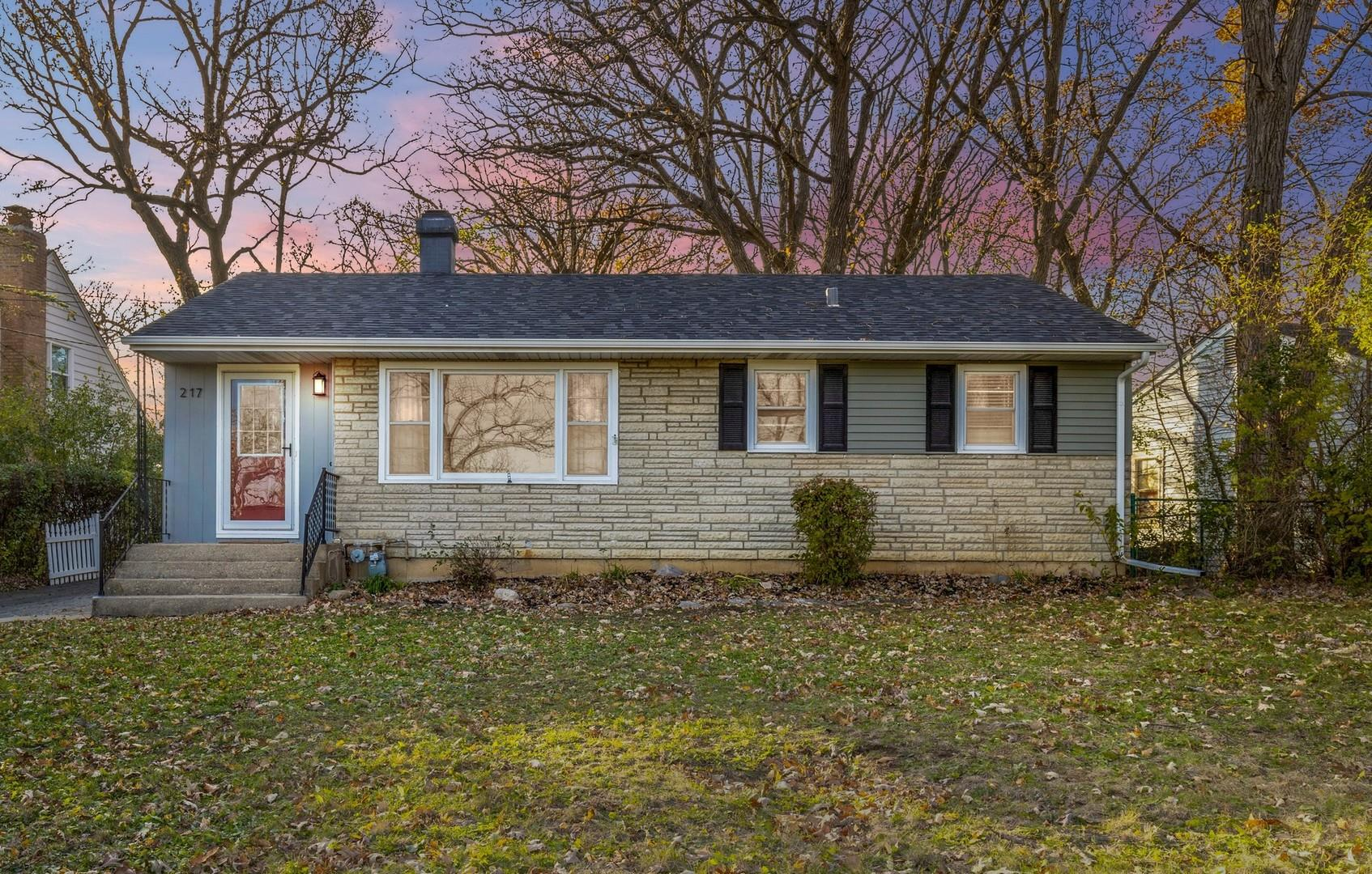 217 Indian Trail, Lake in the Hills, IL 60156 - #: 10923790