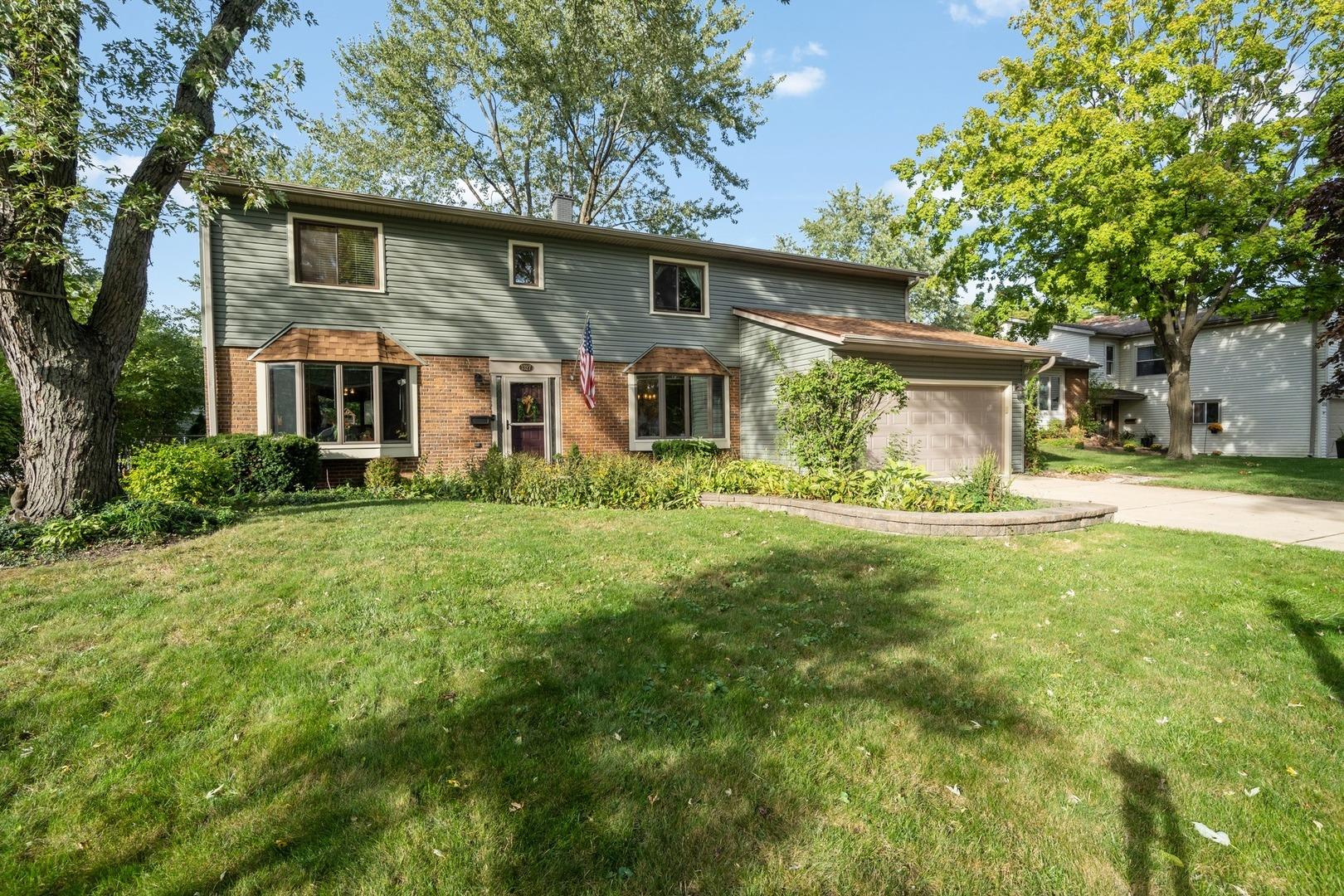 1327 Sussex Lane, Wheaton, IL 60189 - #: 10893792