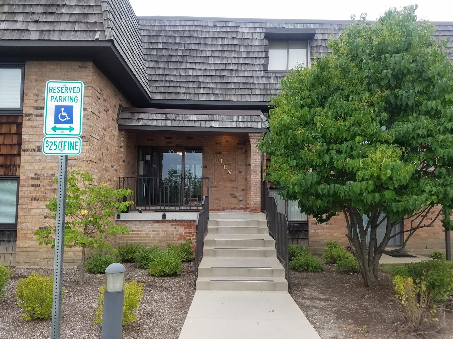 10 Oak Creek Drive #2016, Buffalo Grove, IL 60089 - #: 10805793
