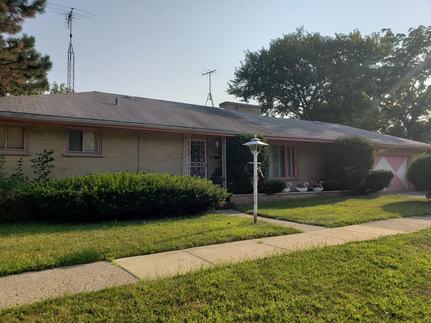 1301 18th Street, North Chicago, IL 60064 - #: 10842802