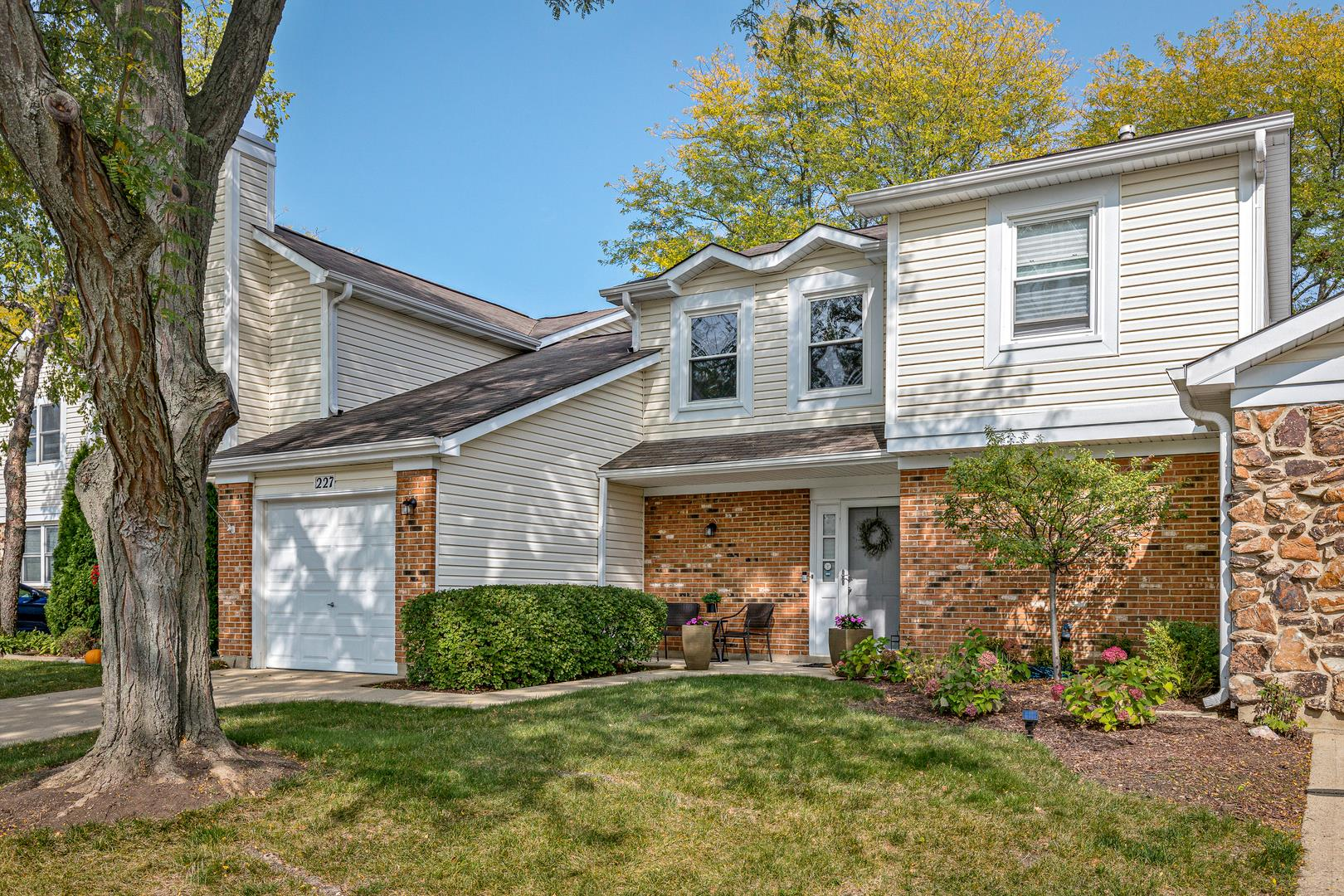 227 STANYON Lane #227, Bloomingdale, IL 60108 - #: 10863802