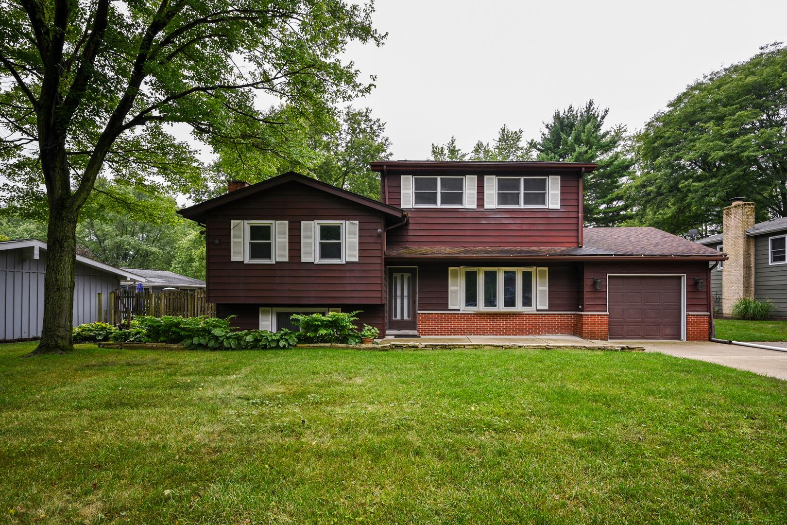22W311 Birchwood Drive, Glen Ellyn, IL 60137 - #: 10856806
