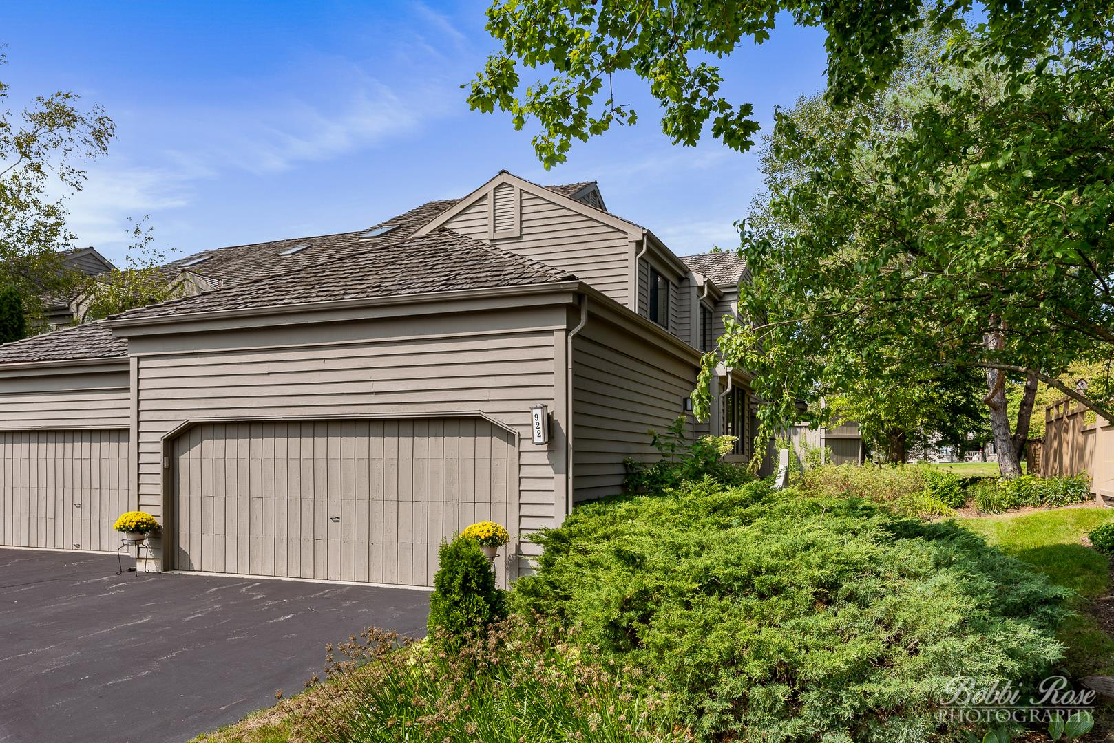 922 Longmeadow Court, Lake Barrington, IL 60010 - #: 10860813