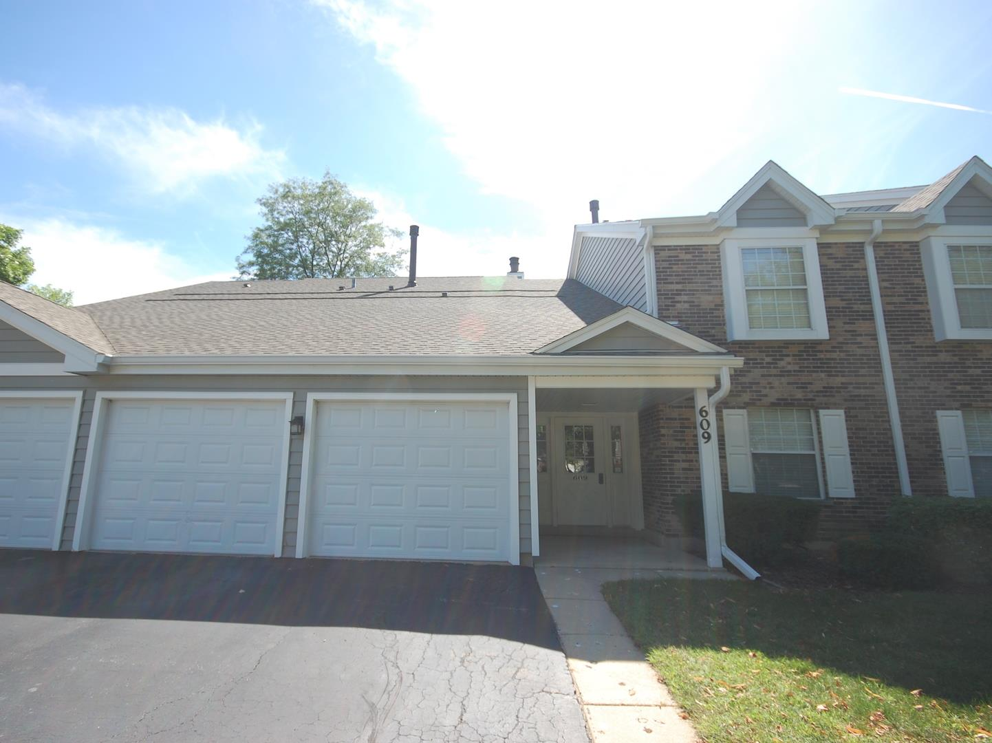 609 Fairbanks Court #W2, Schaumburg, IL 60194 - #: 10786814