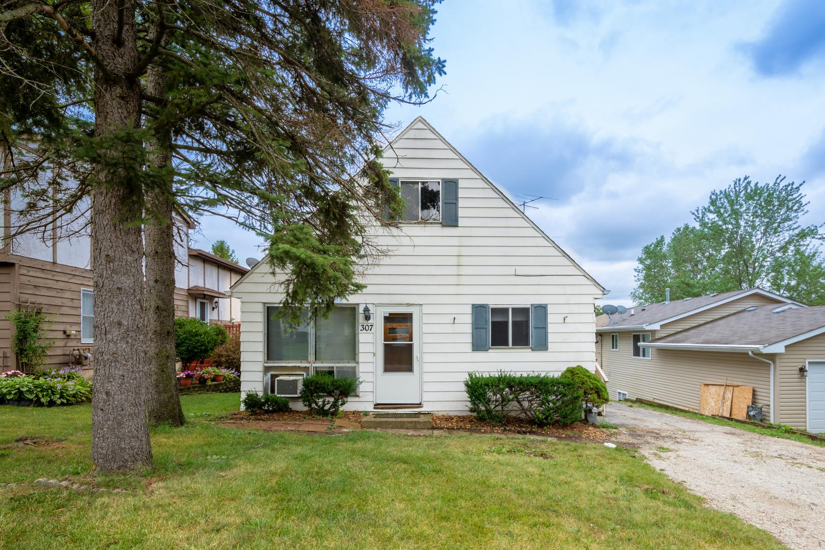 307 S ROSEDALE Court, Round Lake, IL 60073 - #: 10856817