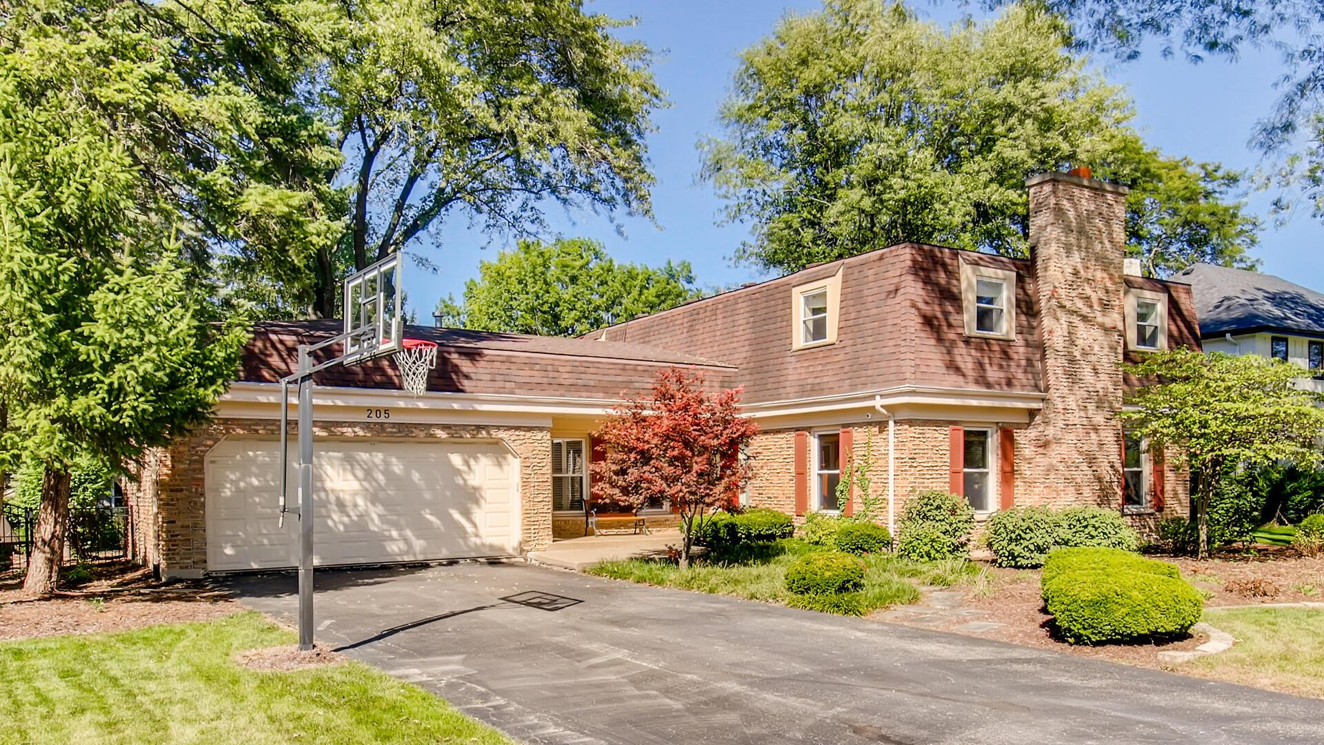 205 E Thompson Drive, Wheaton, IL 60189 - #: 10852820