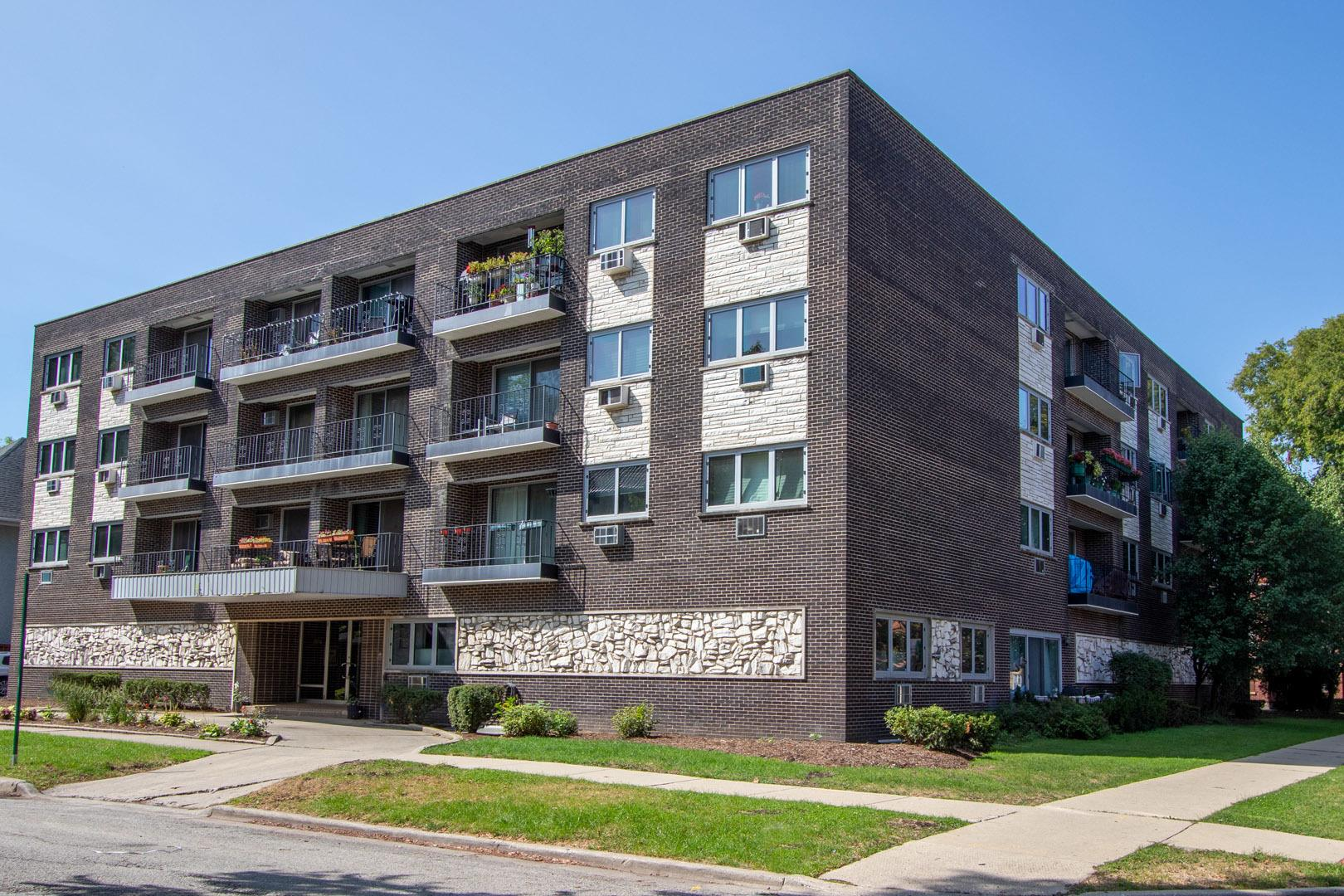 401 S GROVE Avenue #2F, Oak Park, IL 60302 - #: 10860835