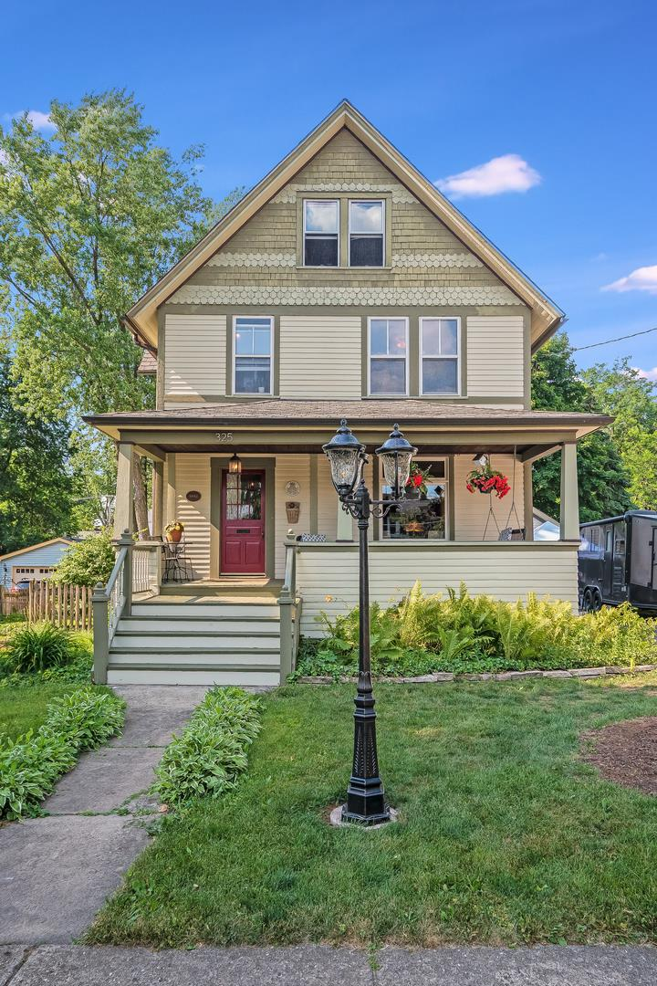 325 E Union Avenue, Wheaton, IL 60187 - #: 10853841