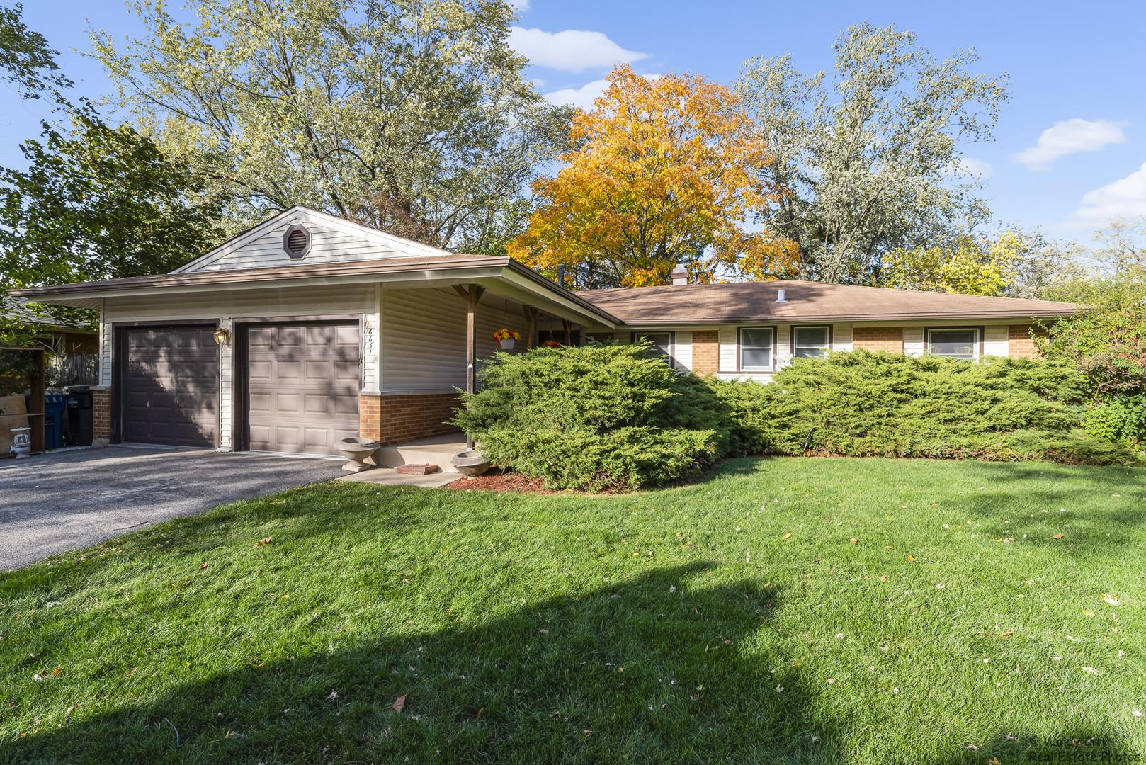 6631 Blackstone Drive, Downers Grove, IL 60516 - #: 10927847
