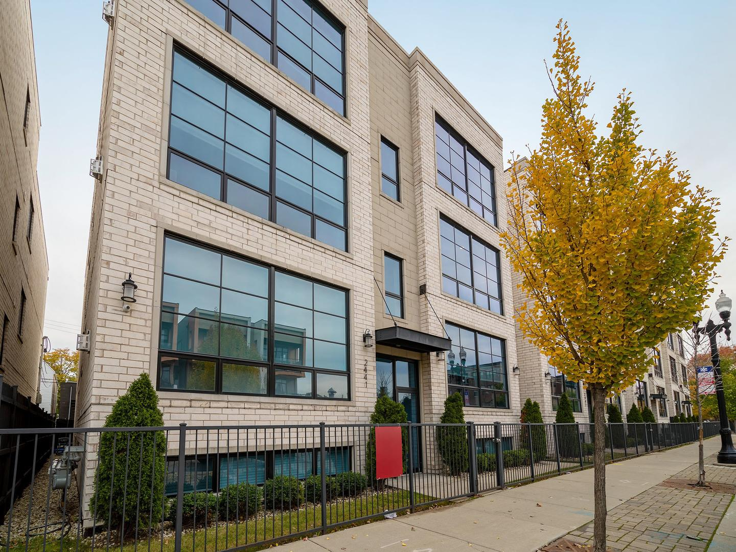 2441 W Irving Park Road #2W, Chicago, IL 60618 - #: 10927848