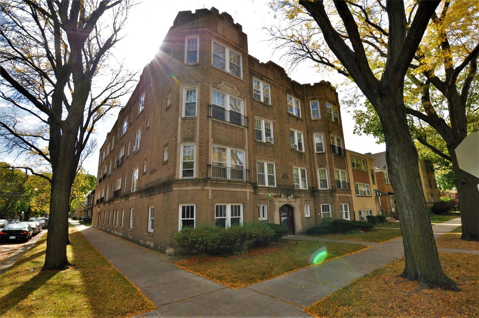 2701 W Estes Avenue #3, Chicago, IL 60645 - #: 10982848