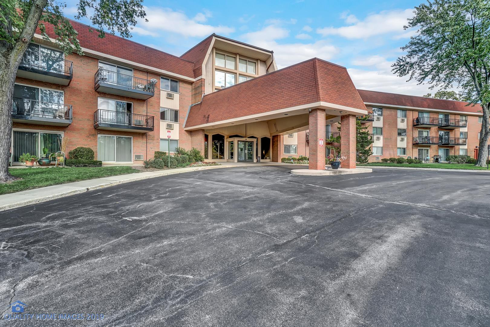 1198 Royal Glen Drive #103E, Glen Ellyn, IL 60137 - #: 10697857