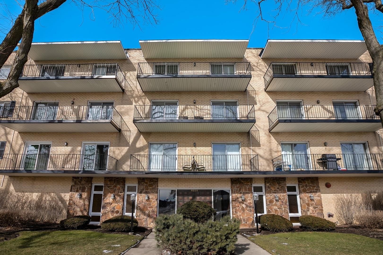 6020 Lincoln Avenue #307, Morton Grove, IL 60053 - #: 10767872