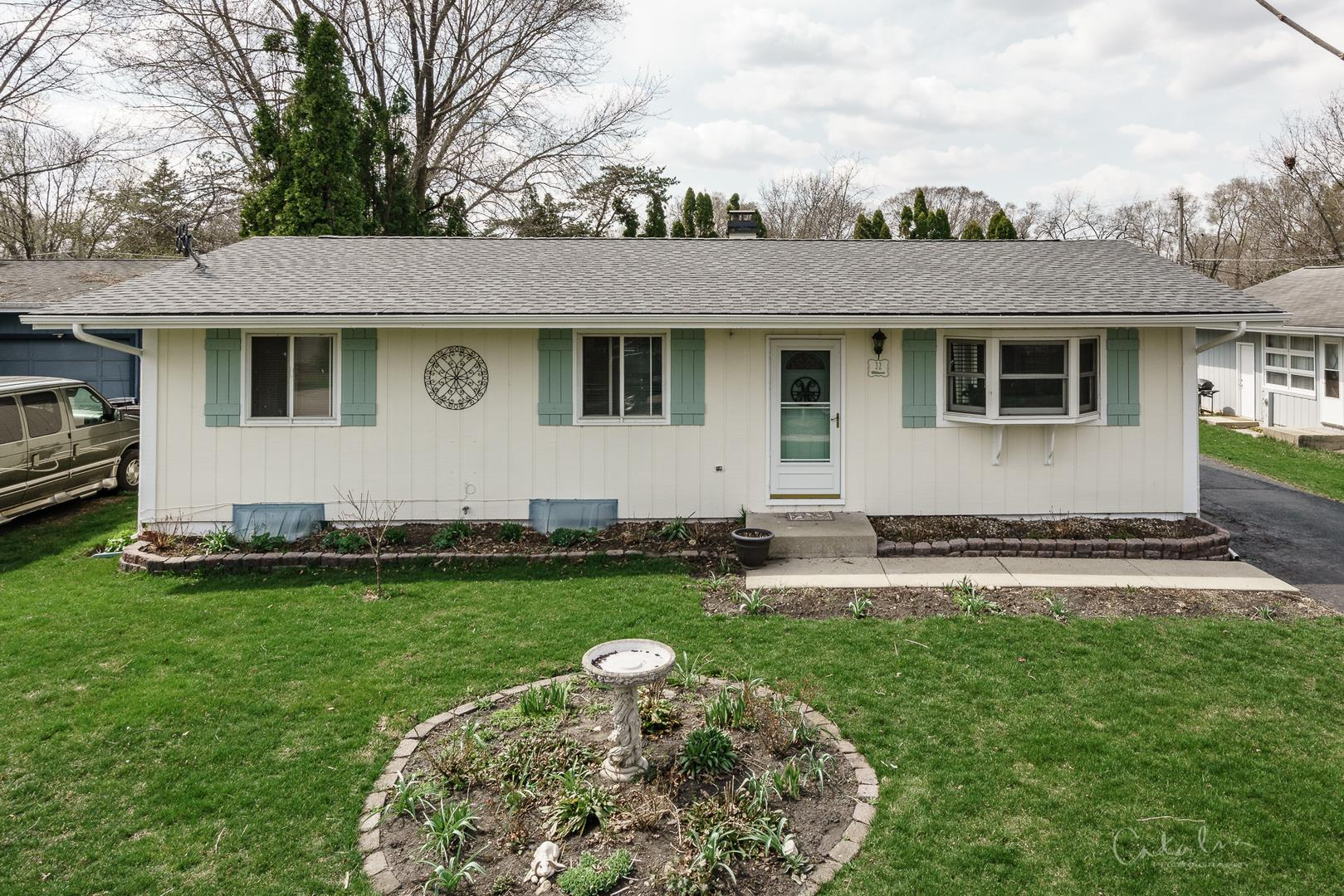 32 Barberry Drive, Crystal Lake, IL 60014 - #: 11045873