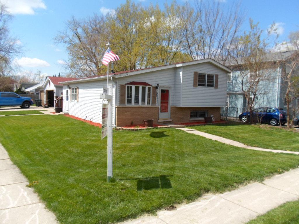 626 S Neltnor Boulevard, West Chicago, IL 60185 - #: 11033876
