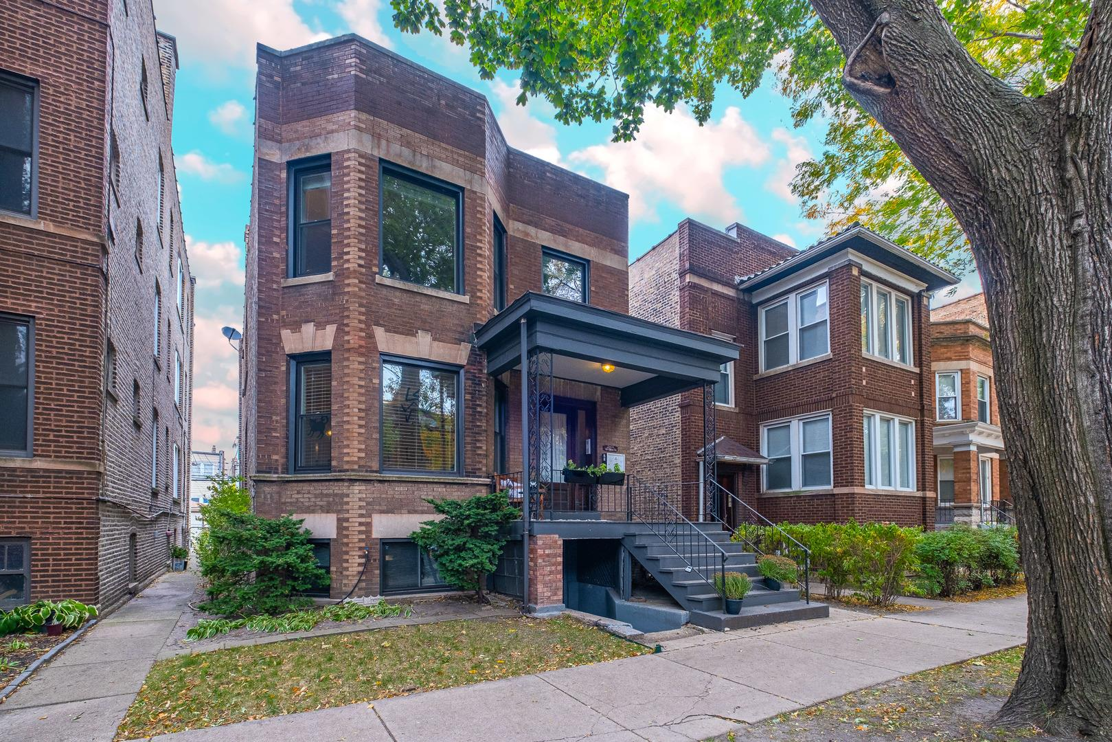 2438 W WILSON Avenue, Chicago, IL 60625 - #: 10977877