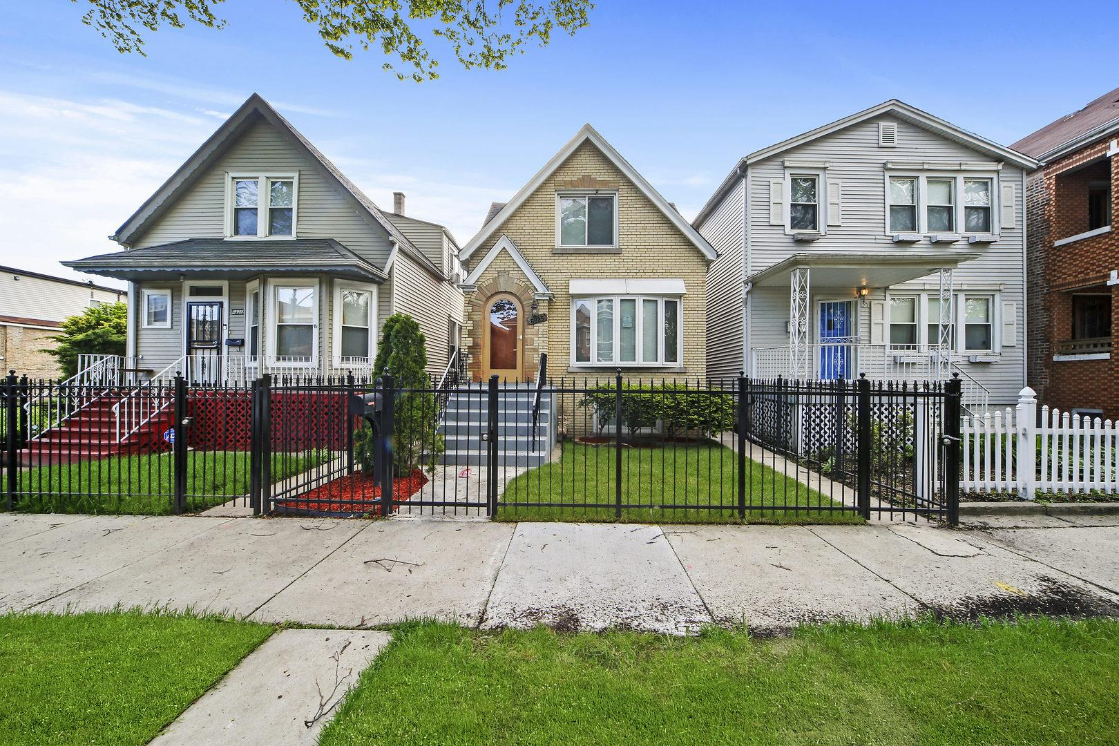 6825 S Rockwell Street, Chicago, IL 60629 - #: 10723878