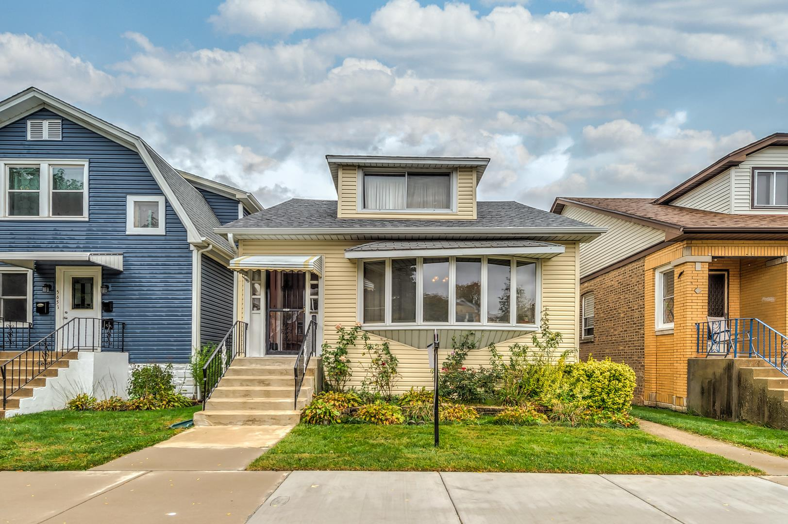 5649 N Meade Avenue, Chicago, IL 60646 - #: 10890878
