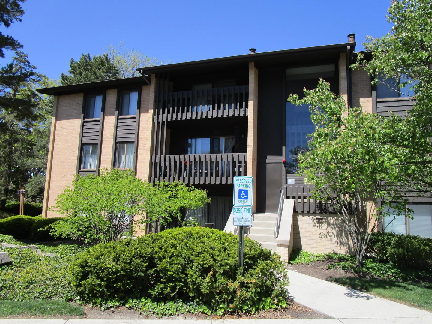 6104 Knoll Valley Drive #203, Willowbrook, IL 60527 - #: 11083880