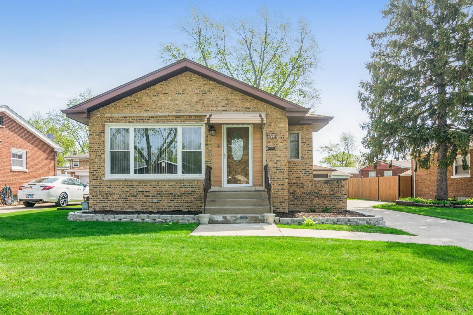723 Willow Drive, Chicago Heights, IL 60411 - #: 11073886