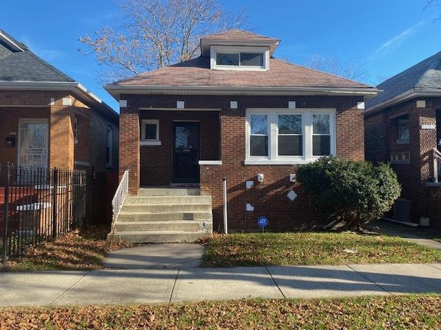 8203 S Marquette Avenue, Chicago, IL 60617 - #: 10925889