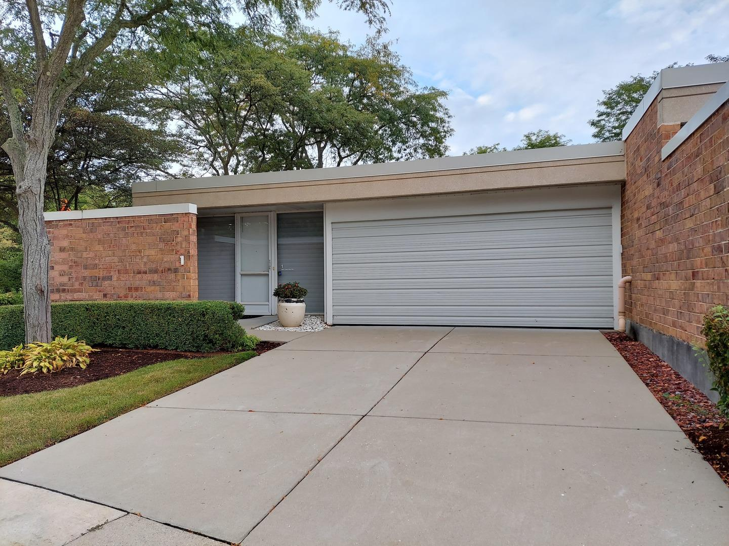 1 Wellington Road, Northbrook, IL 60062 - #: 10841905