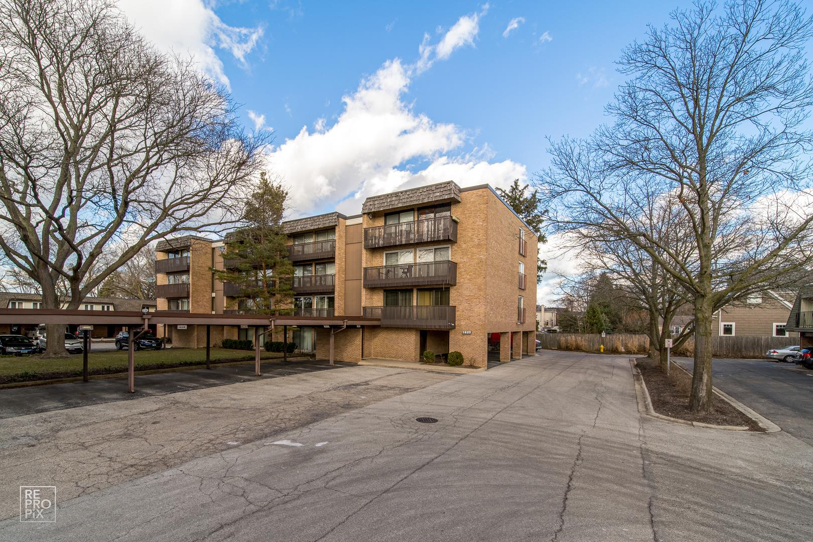 1925 TANGLEWOOD Drive #2C, Glenview, IL 60025 - #: 10881905