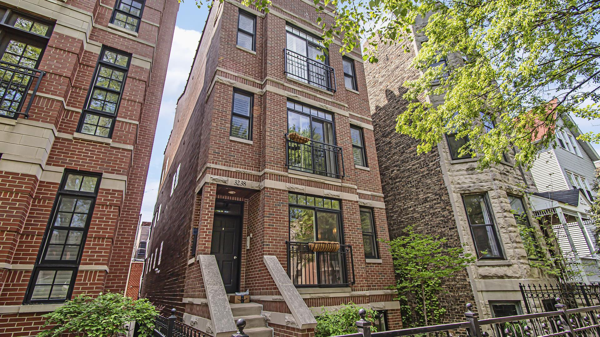 3238 N Kenmore Avenue #1, Chicago, IL 60657 - #: 11107906