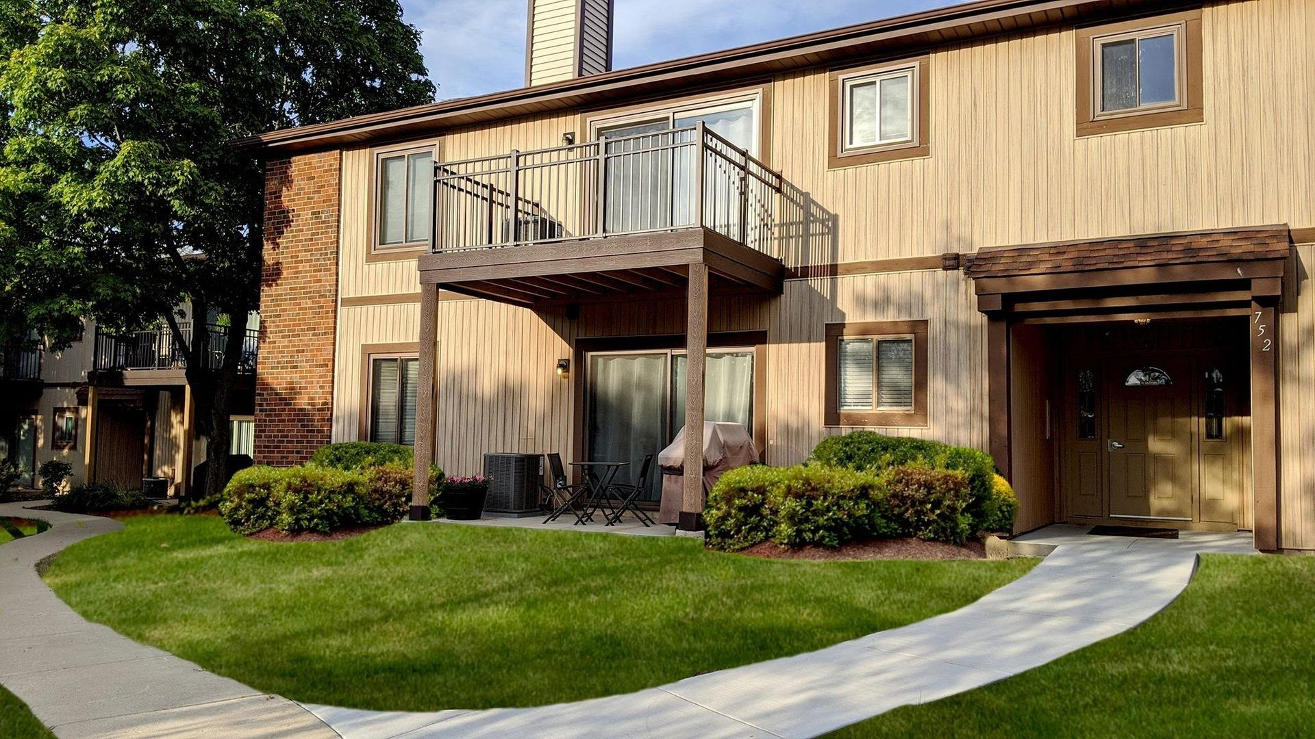 752 Rodenburg Road #1A, Roselle, IL 60172 - #: 10835908