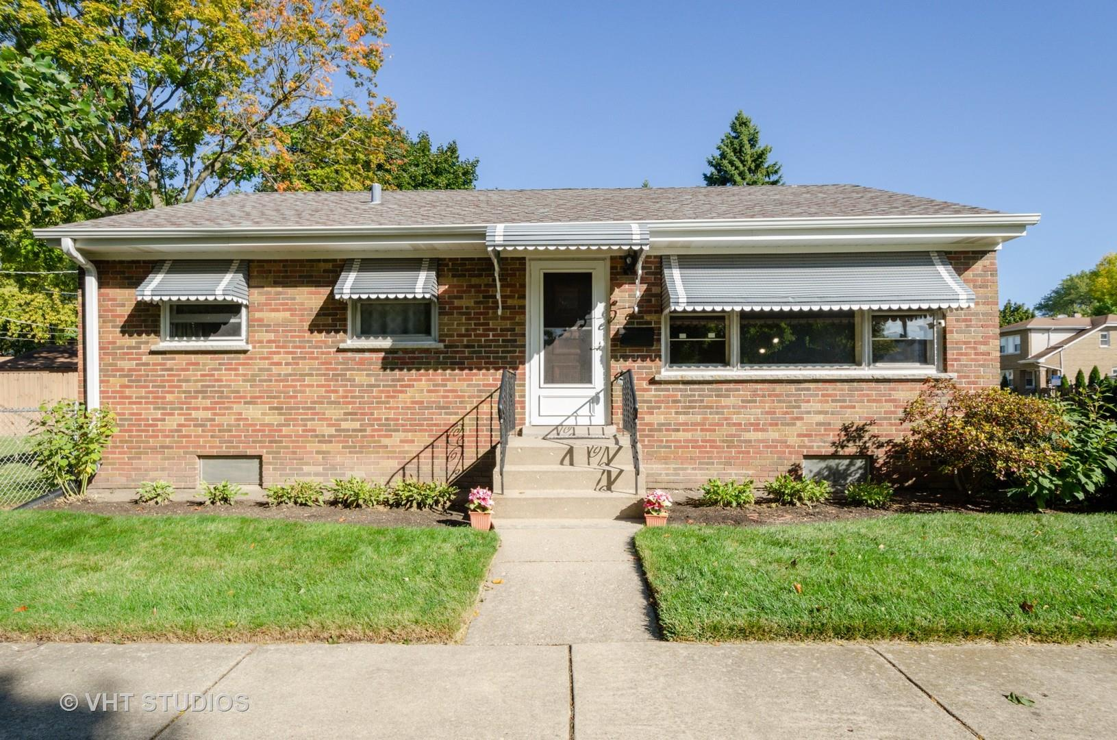 8522 Austin Avenue, Morton Grove, IL 60053 - #: 10886918