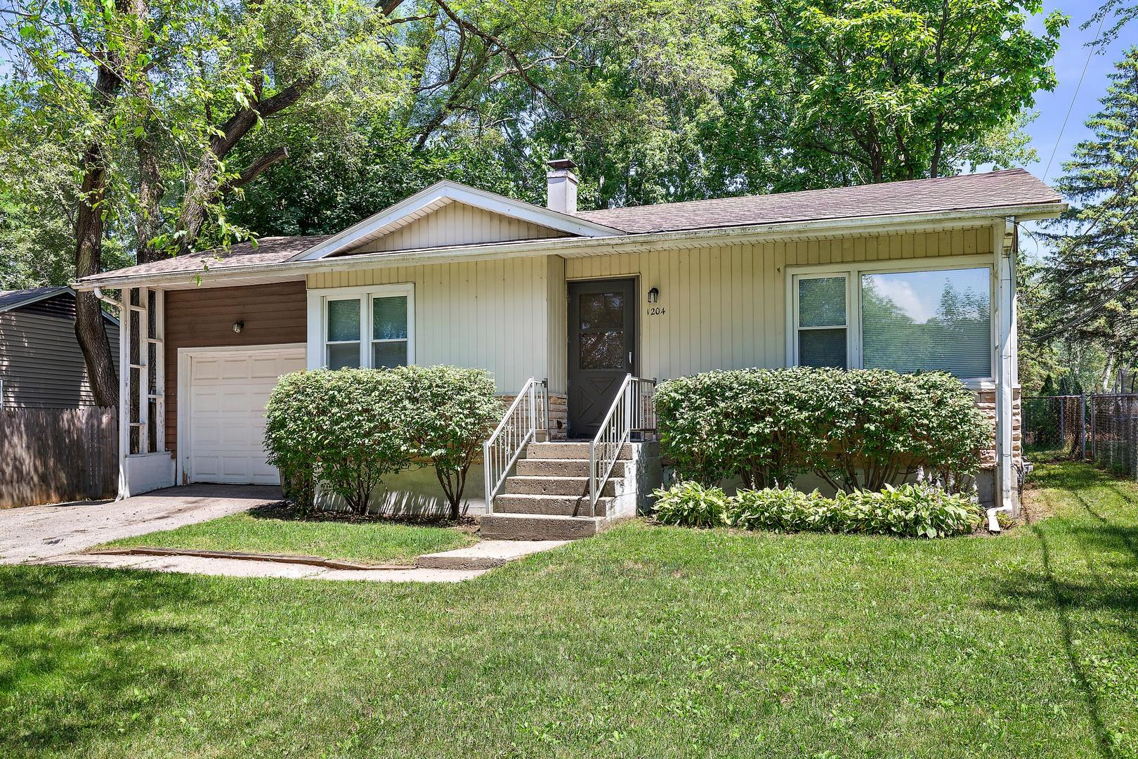 1204 Spruce Street, Lake in the Hills, IL 60156 - #: 10802922
