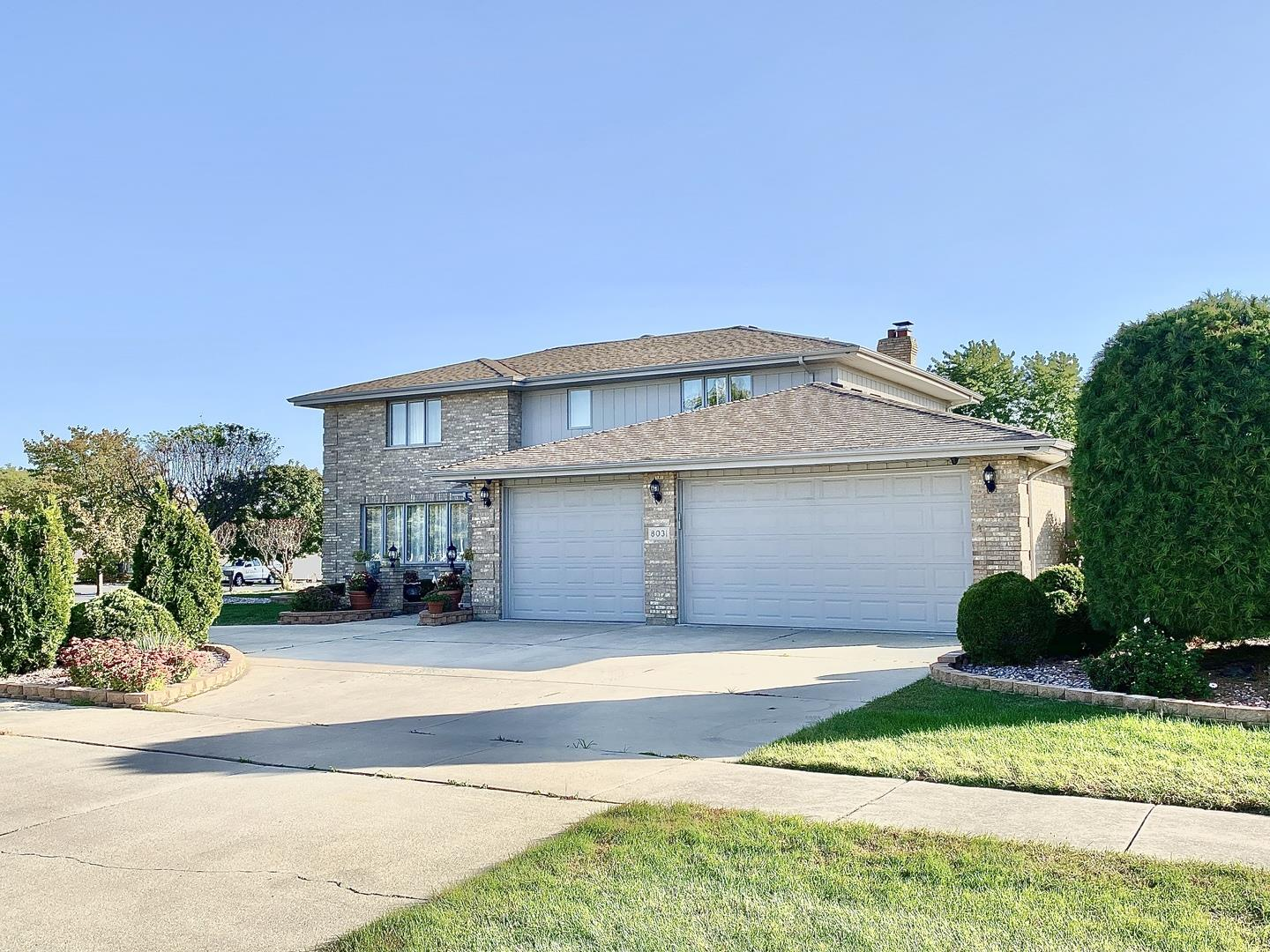 8031 Valley View Drive, Tinley Park, IL 60477 - #: 10901926