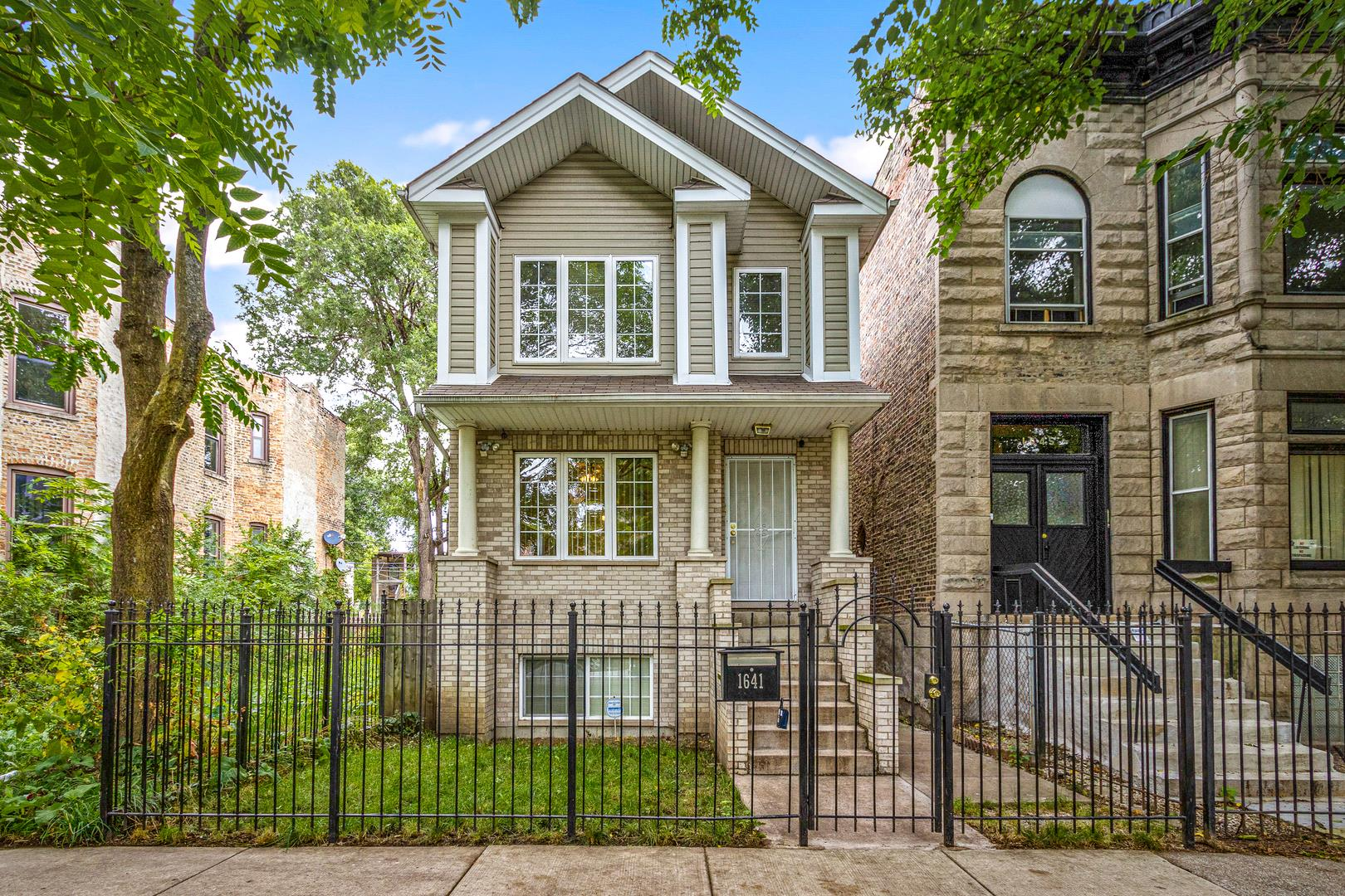 1641 S Saint Louis Avenue, Chicago, IL 60623 - #: 10853934