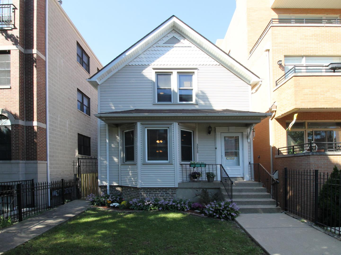 3050 N Oakley Avenue, Chicago, IL 60618 - #: 10891934