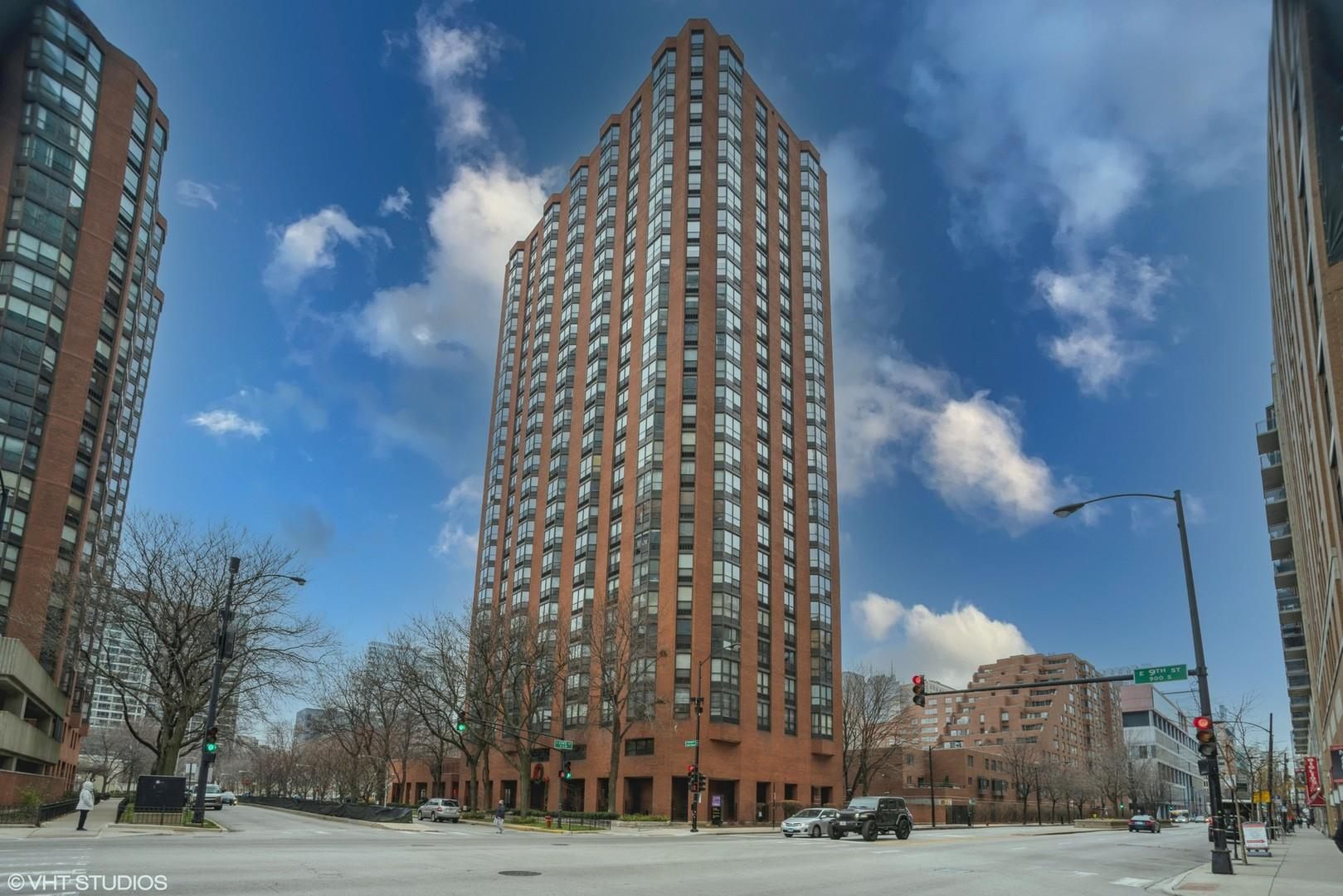 899 S PLYMOUTH Court #1001, Chicago, IL 60605 - #: 11021934