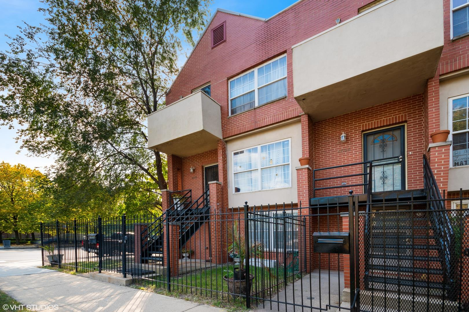 4658 S Ellis Avenue, Chicago, IL 60653 - #: 10884937