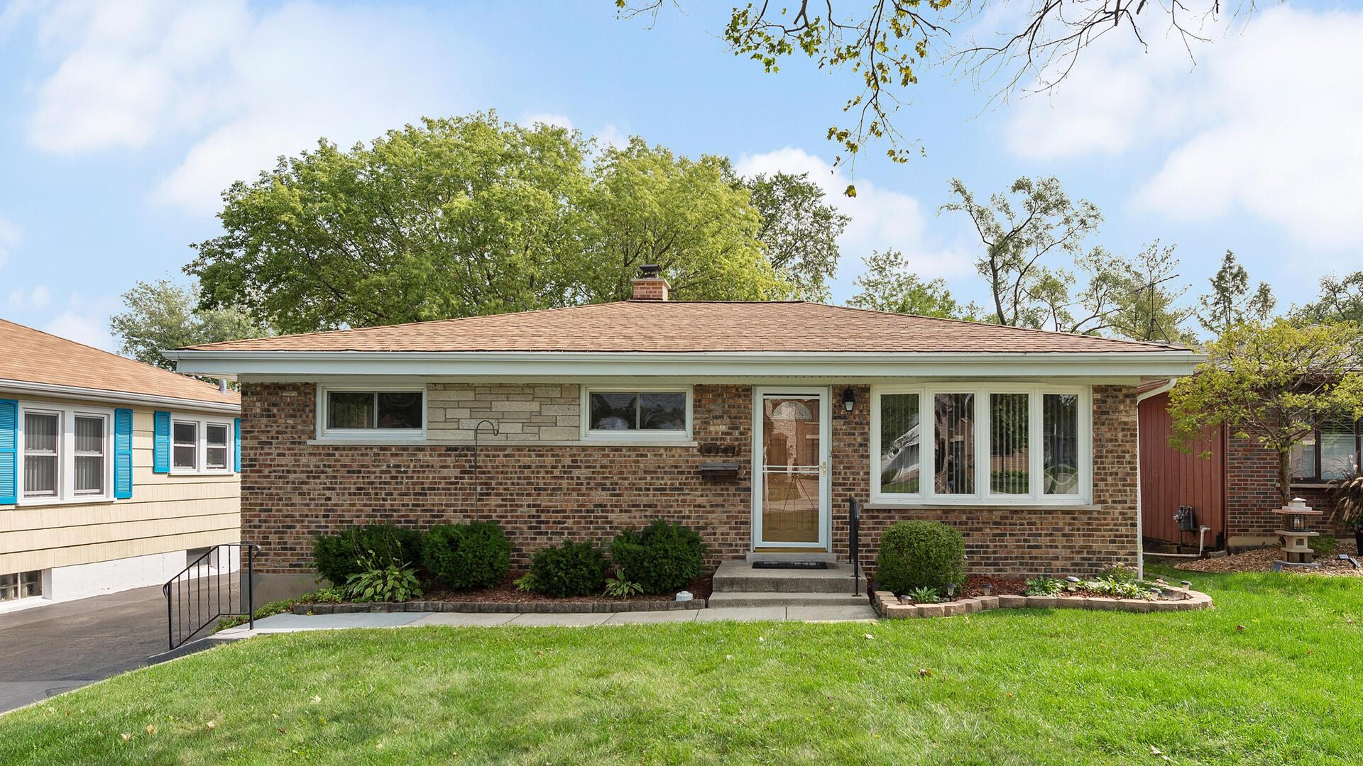 4141 Lindley Street, Downers Grove, IL 60515 - #: 10815943